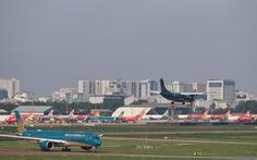 Có nên 'thả nổi' giá vé máy bay để các hãng tự quyết định?
