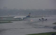 Hoãn, hủy nhiều chuyến bay ngày 2-8 vì ảnh hưởng bão