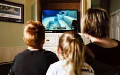 Cho trẻ chơi điện tử để... giáo dục