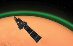 Phát hiện lớp khí oxy sáng xanh trên sao Hỏa