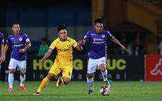 Sân Hàng Đẫy: Vị đắng cho đương kim vô địch V-League