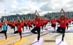 3.000 người đồng diễn Ngày quốc tế yoga lần thứ 6