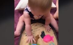 Người mẹ sáng tạo ra loại cát kỳ diệu để có thể ăn được cho con gái