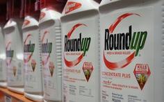 Công ty mẹ của Monsanto chi gần 11 tỉ USD giải quyết vụ kiện thuốc diệt cỏ gây ung thư