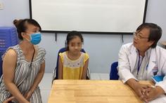 5 giờ căng thẳng phẫu thuật cứu bé gái bị u phế quản, chỉ còn 1 lá phổi