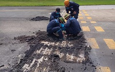 Liên tục phát hiện điểm nứt vỡ trên đường lăn sân bay Nội Bài