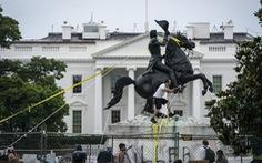 Ông Trump ký sắc lệnh bảo vệ các tượng đài, di tích