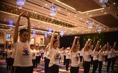 Hơn 600 người cùng tham gia tập YOGA tại Phú Yên