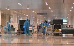 310 công dân từ Singapore 'hạ cánh' sân bay Cần Thơ