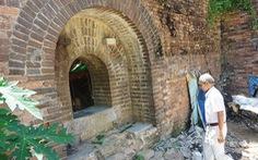 Giải tỏa khu thượng thành Huế, bất ngờ xuất lộ một chiếc cổng gạch tuyệt đẹp
