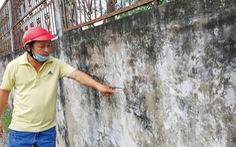 Nơm nớp lo tường cao hơn 3m sập đè người