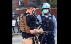 Xuất hiện 'dân quân chống biểu tình hôi của' tự trang bị súng ống ở Mỹ