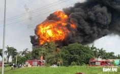 Chủ tịch Hà Nội yêu cầu đo, công khai nồng độ hóa chất vụ cháy ở Long Biên