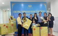 Trao sổ hồng cho khách mua nhà ở Khu Đô thị mới Trà Vinh