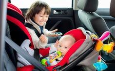 Trẻ em dưới 13 tuổi đi xe hơi phải có ghế chuyên dụng