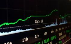 Chứng khoán xanh rực rỡ, doanh nghiệp nhận về hàng ngàn tỉ đồng vốn hóa