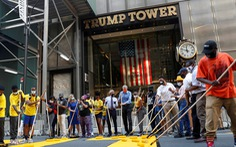 Thị trưởng New York  sơn chữ Black Lives Matter trước tháp Trump, ông Trump nói gì?