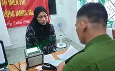 Công an TP.HCM đến thánh đường, làm thẻ căn cước cho người Hồi giáo
