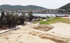 Vụ múc cát gần đê biển bị dân phản đối: yêu cầu hoàn thổ mặt bằng