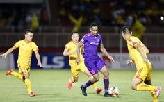 Video: 3 bàn thắng giúp Sài Gòn thắng đậm Thanh Hóa