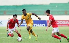 SLNA may mắn cầm chân Hà Tĩnh trong trận derby xứ Nghệ