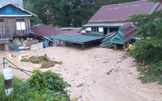 Hơn 2.650 người bị cô lập trong nước và bùn do lũ lụt ở Indonesia