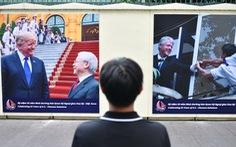 19 'khoảnh khắc quan hệ Việt - Mỹ' trên tường Tổng lãnh sự quán Mỹ ở TP.HCM