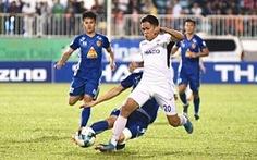 Những pha vào bóng nguy hiểm của cầu thủ Quảng Nam với HAGL