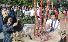 Lãnh đạo TP.HCM dâng hương tại nghĩa trang Hàng Dương