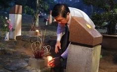 Lãnh đạo TP.HCM và Bà Rịa - Vũng Tàu thắp nến tại Nghĩa trang Hàng Dương