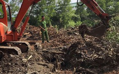 Bị bắt quả tang chôn rác thải công nghiệp trái phép, Công ty Shing Mark đổ thừa cho công nhân