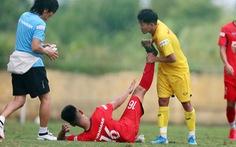 Cầu thủ U22 Việt Nam đuối sức, liên tục nằm sân ở trận đấu tập chiều 2-7