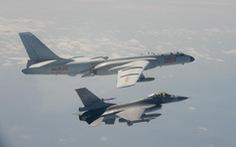 Đài Loan đưa F-16, Apache... tập trận bắn đạn thật 'diệt thù trên bờ biển'
