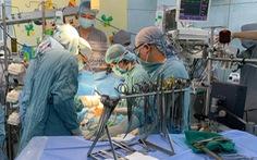 Môt bé trai 9 tuổi ở quận 7 bị đâm thủng tim được mổ khẩn cấp