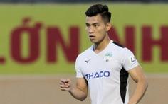 Văn Thanh nén nỗi buồn gia đình ra sân thi đấu, HLV Lee Tae Hoon gửi lời cảm ơn