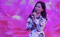 Nguyễn Phi Hùng, Hạnh Nguyên, Ngọc Mai hát hết mình phục vụ công nhân lao động