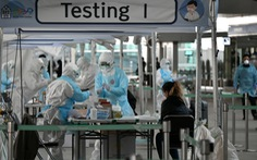 Hàn Quốc cân nhắc yêu cầu người nước ngoài trả phí điều trị COVID-19