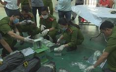 CSGT nổ súng bắt nhóm thanh niên vận chuyển 200kg ma túy đá vào TP.HCM