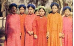 Có đúng là chúa Nguyễn Phúc Khoát khai sinh áo dài Việt Nam?