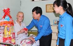 Người trẻ tri ân mẹ Việt Nam anh hùng
