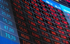 'Bão tố' quét hơn 3,4 tỉ USD vốn hóa trên sàn chứng khoán