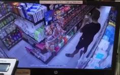 Đà Nẵng: thanh niên bôi nước bọt lên hàng hóa trong siêu thị là tâm thần mới ra viện
