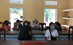 Chặn taxi chở 7 cô gái xuất cảnh 'chui' qua Campuchia trong đêm