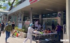 Bệnh viện Chợ Rẫy lấy mẫu xét nghiệm COVID-19 với 208 nhân viên y tế