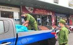 Trực đêm xong, sáng sớm cảnh sát 113 đi siêu thị mua đồ tiếp sức bác sĩ