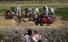 Số người chết do COVID-19 ở Nga vượt mốc 10.000
