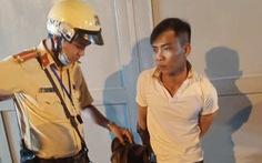 Cướp xong tưởng thoát thì bị cảnh sát giao thông bắt giữ