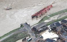 Mưa lũ gây cảnh tang hoang như sóng thần ở Nhật