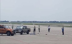 Nhân viên vệ sinh bị xe bán tải tông chết trong sân bay Nội Bài