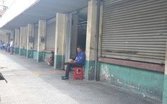 COVID-19 khiến những ngôi chợ sầm uất như Bến Thành 'ngáp ngủ'